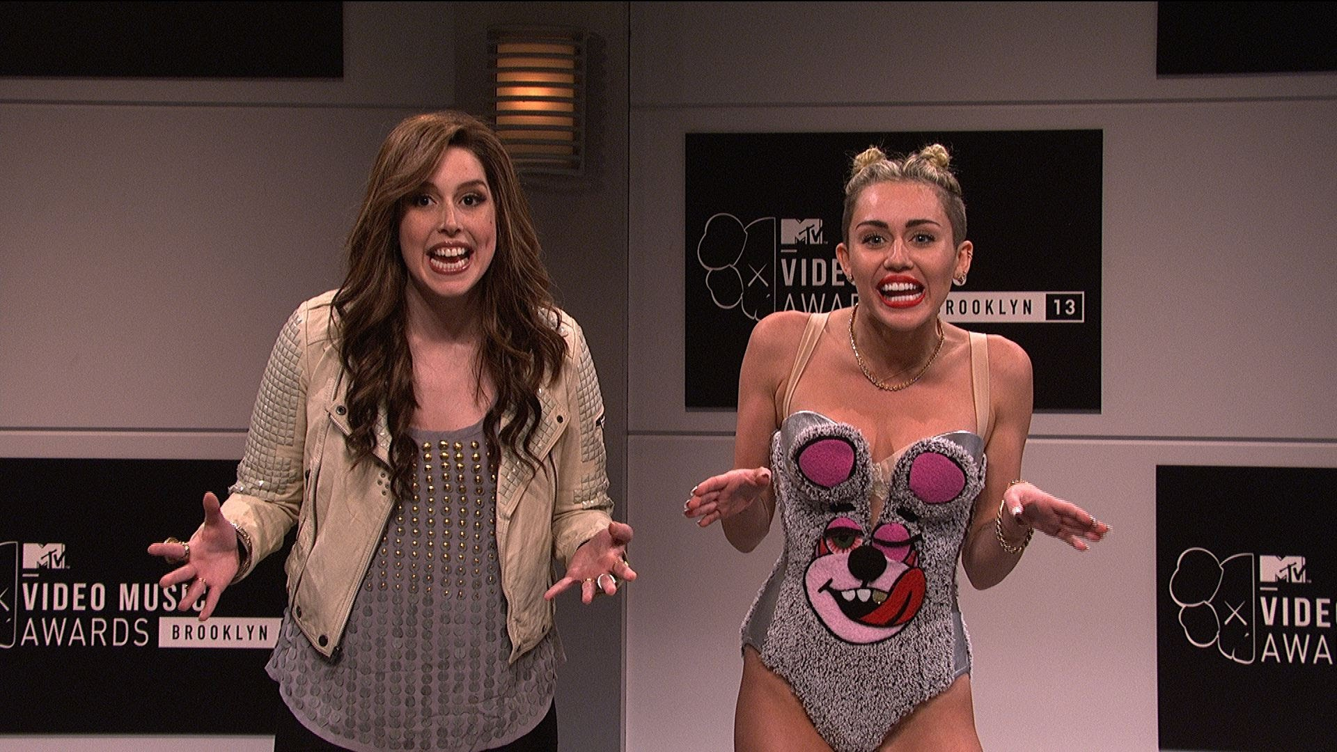 Miley Cyrus hosts SNL